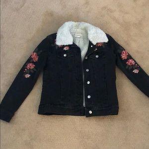Pacsun Black Jean Jacket with fur collar